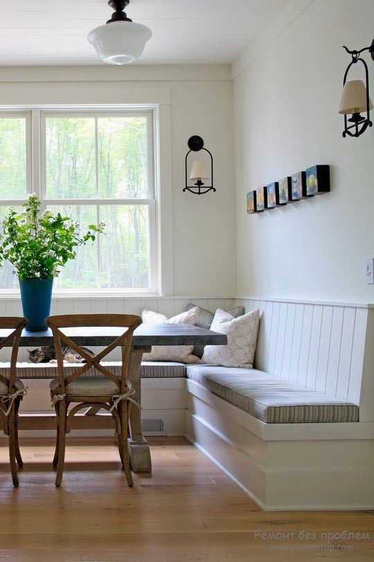 Удачный спальный уголок для кухни с угловым диваном