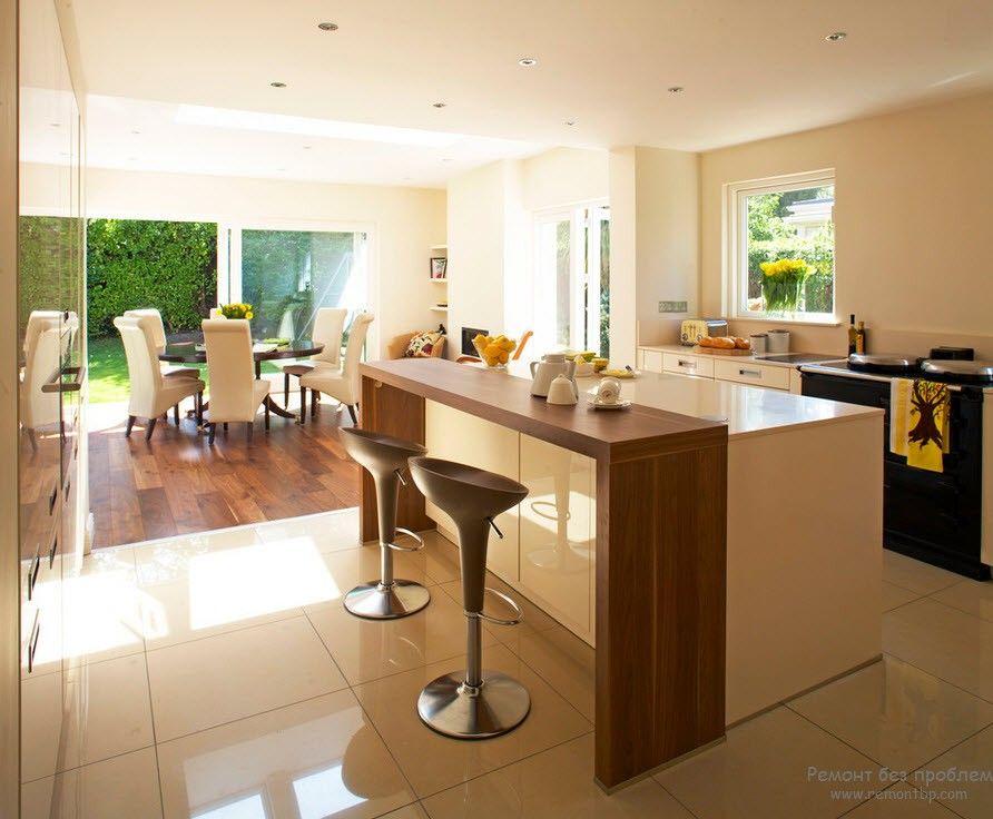 Барная стойка гармонично вписывается в интерьер кухни