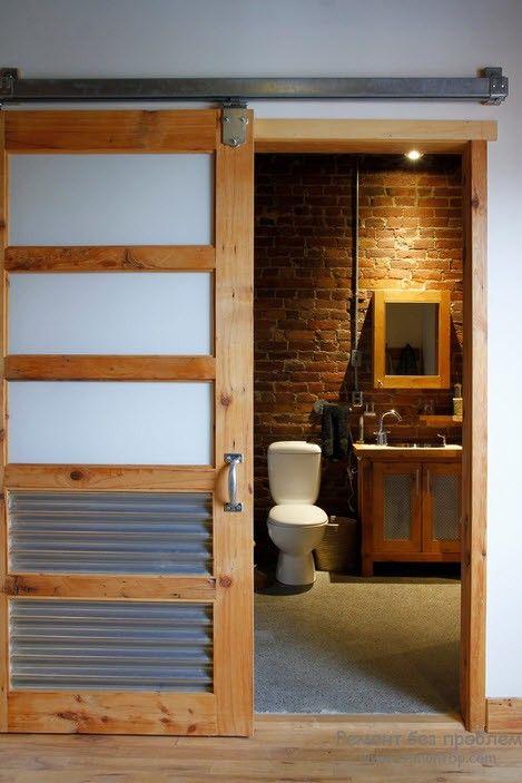 Кирпичная кладка стены в ванной