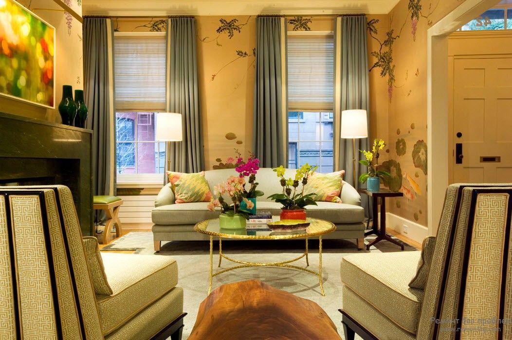 Элементы позолоты в интерьере гостиной