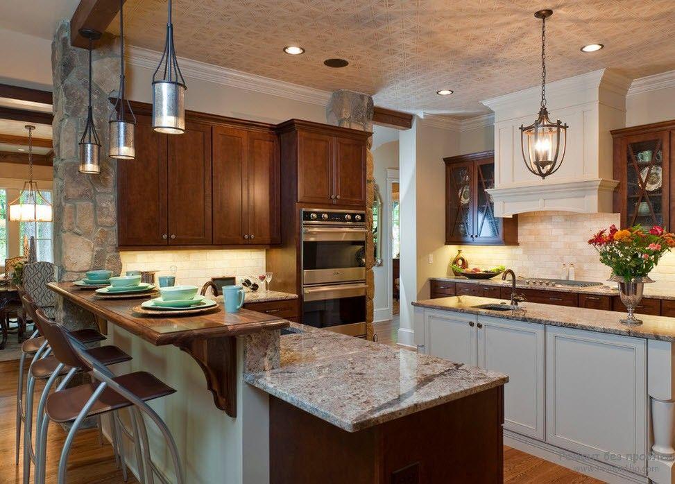 Дизайн угловой кухни с двухуровневой барной стойкой