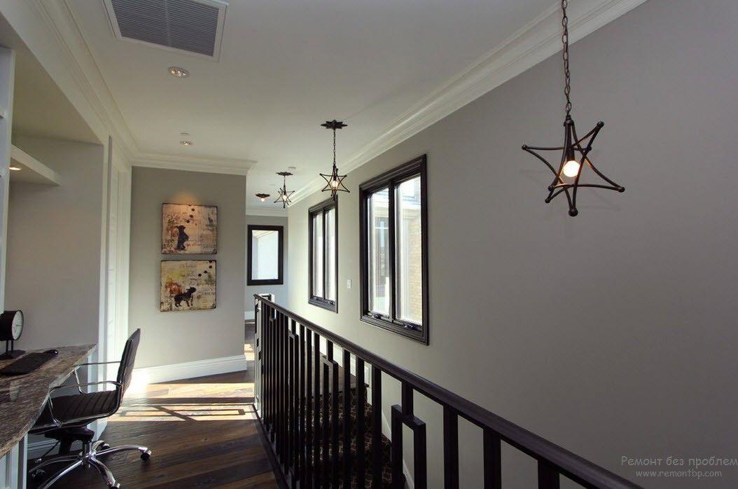 кованые светильники выгодно дополнят стиль минимализм