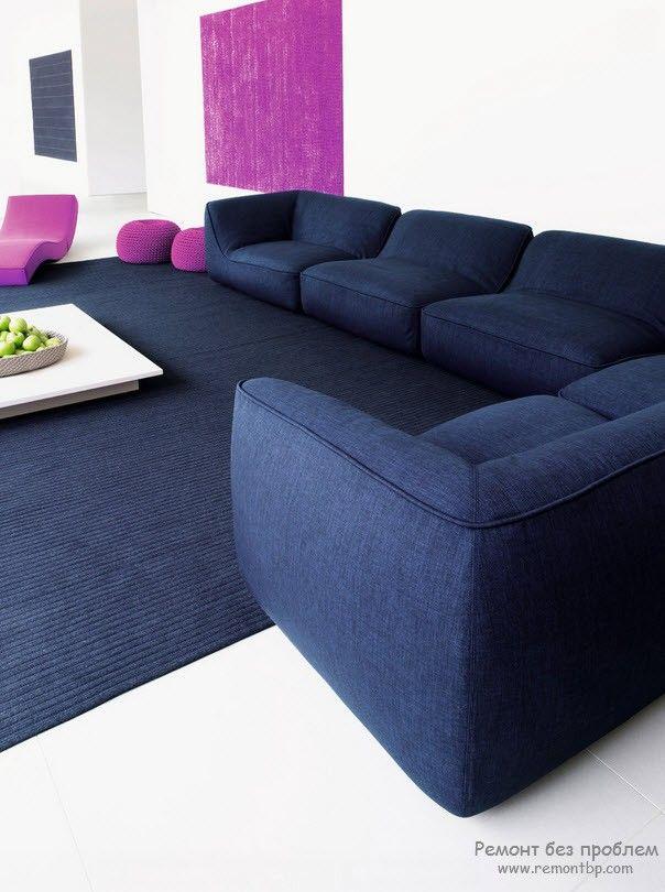 Оригинальный диван-трансформер в современном интерьере