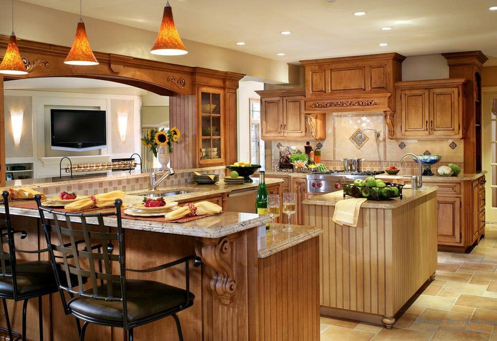 Шикарная классическая кухня П-образнгой формы с барной стойкой