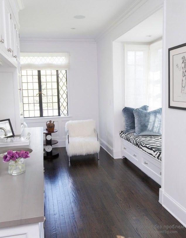 просторная кухня со спальным местомУютная белая