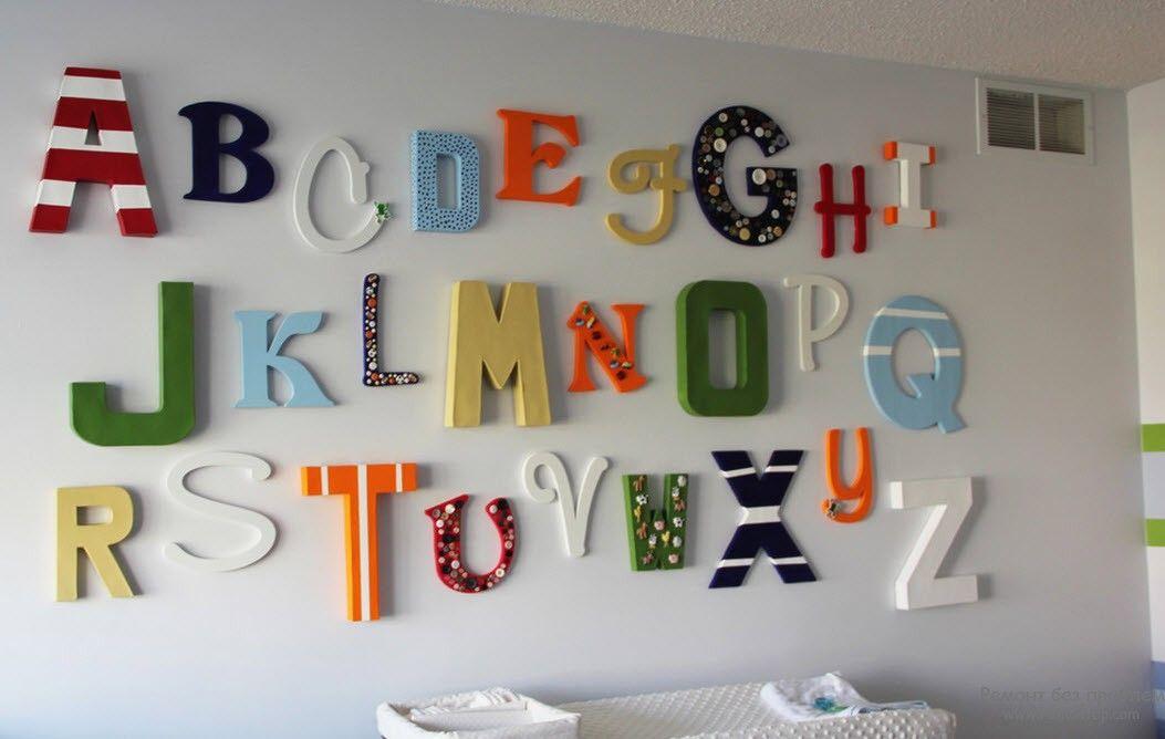 Буквы на стене в детской