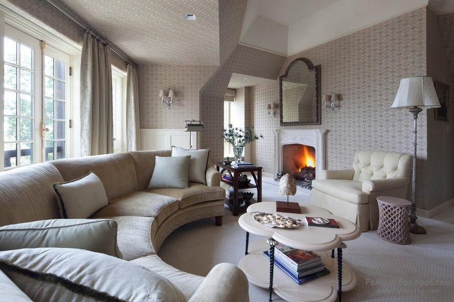 Оригинальный диван для просторных помещений