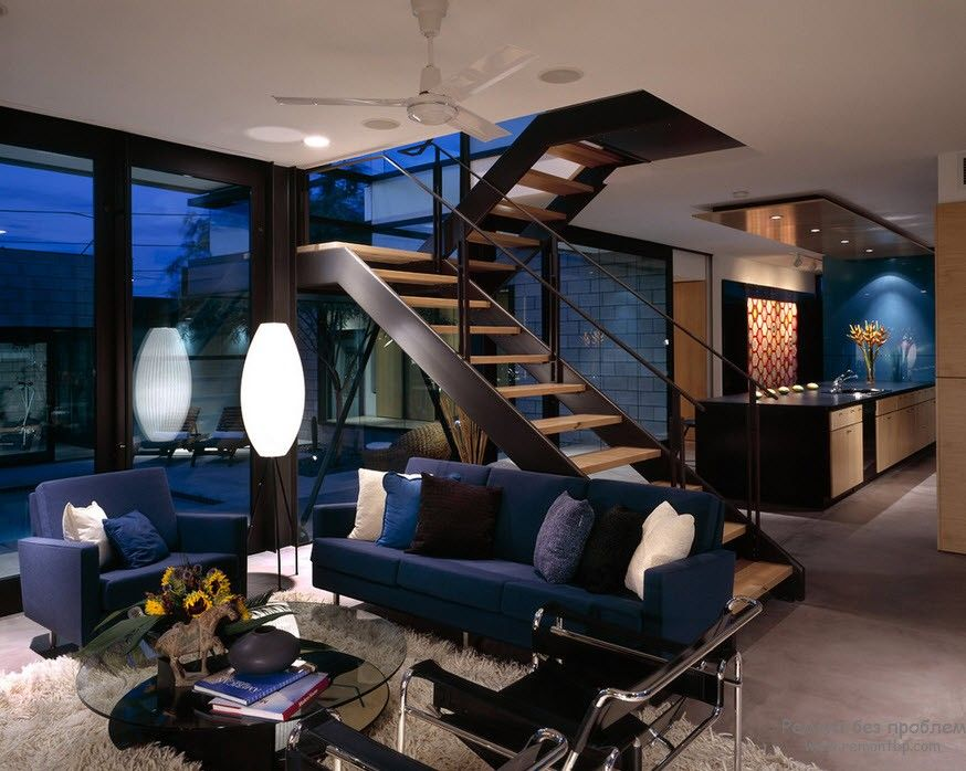 Мондая лестница