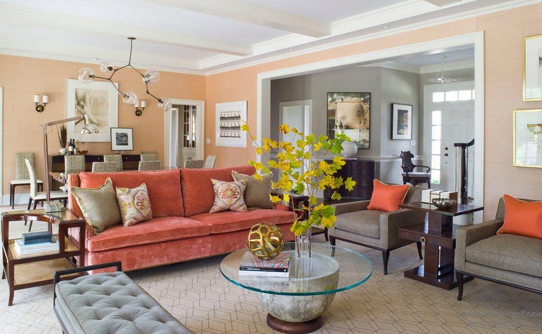 Персиковый интерьер гостиной