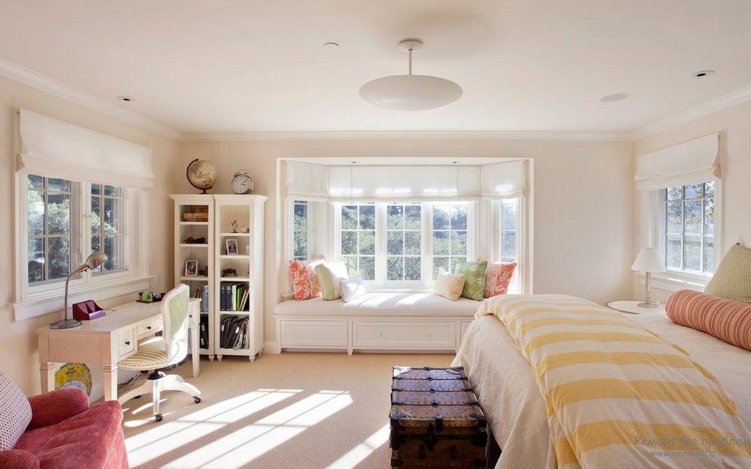 Современная мебель в женской спальне