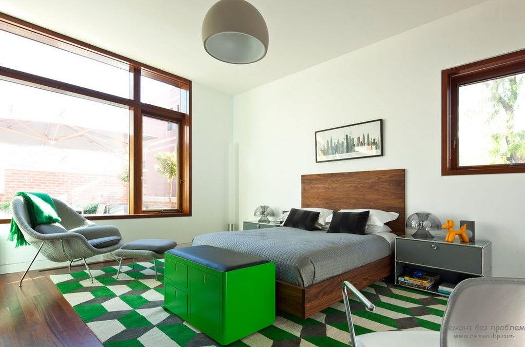 Спальня с ярко-зелеными акцентами