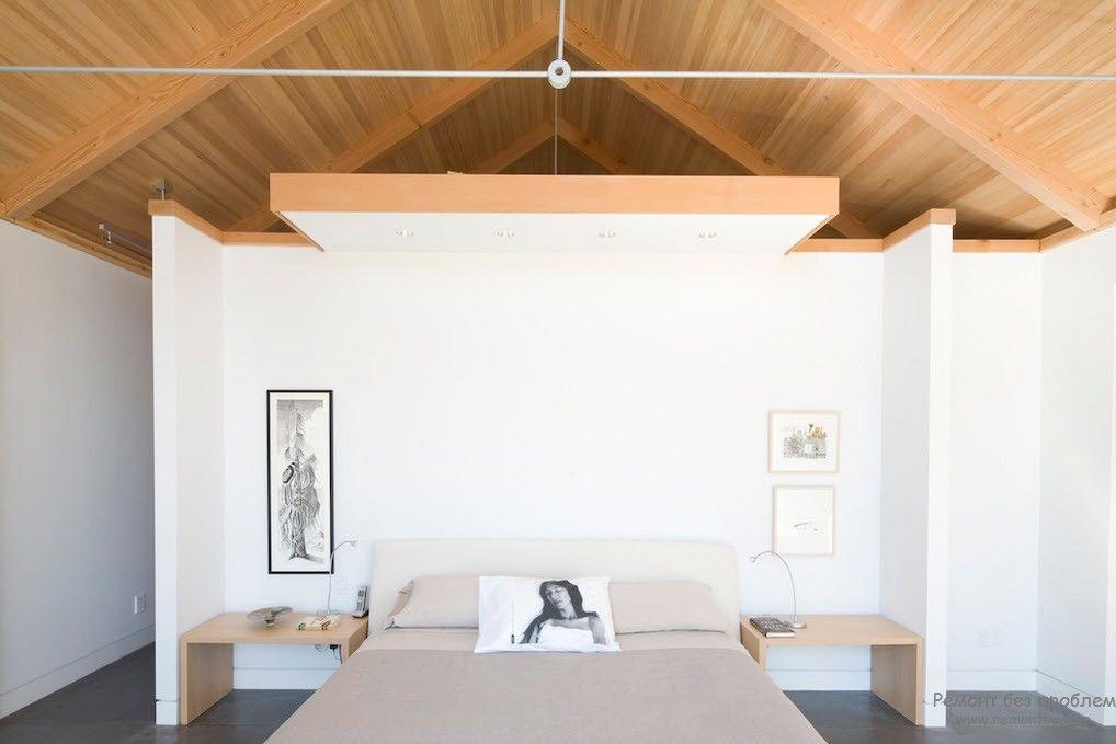 Необычный дизайн светлой минималистской спальни