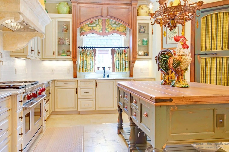 Дизайн кухни с окном столешницей