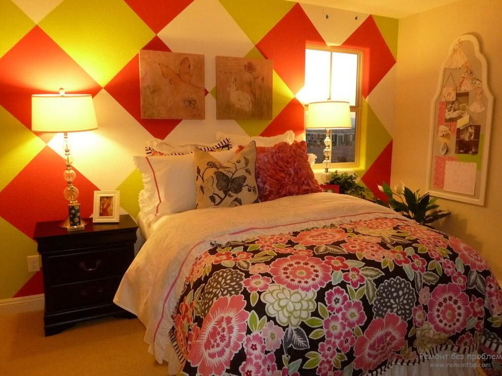 красочный дизайн спальной комнаты