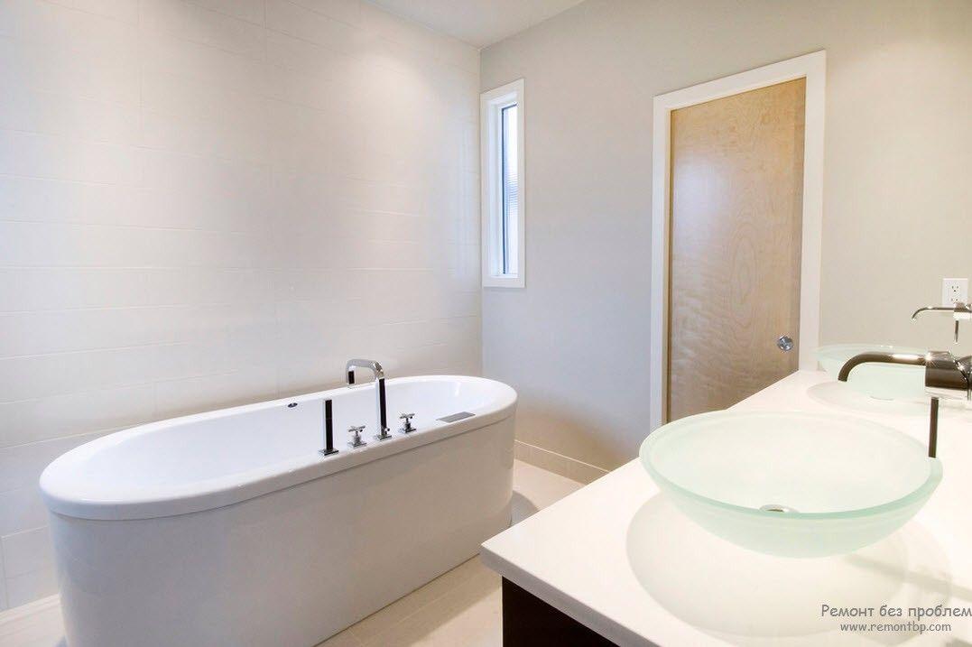 оригшинальная овальная форма ванны в стиле минимализм