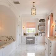 Нежная ванная в персиковом цвете