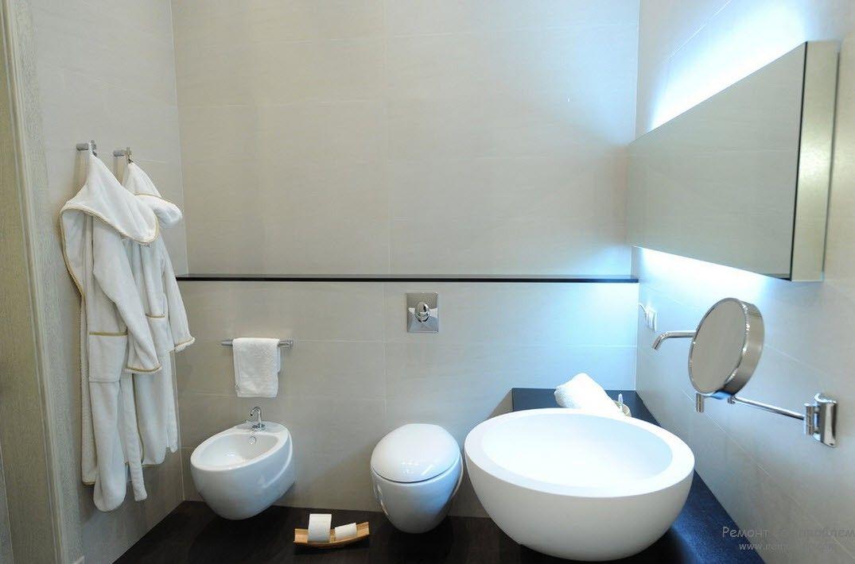 Черно-белое сочетание цветов в интерьере ванной комнаты