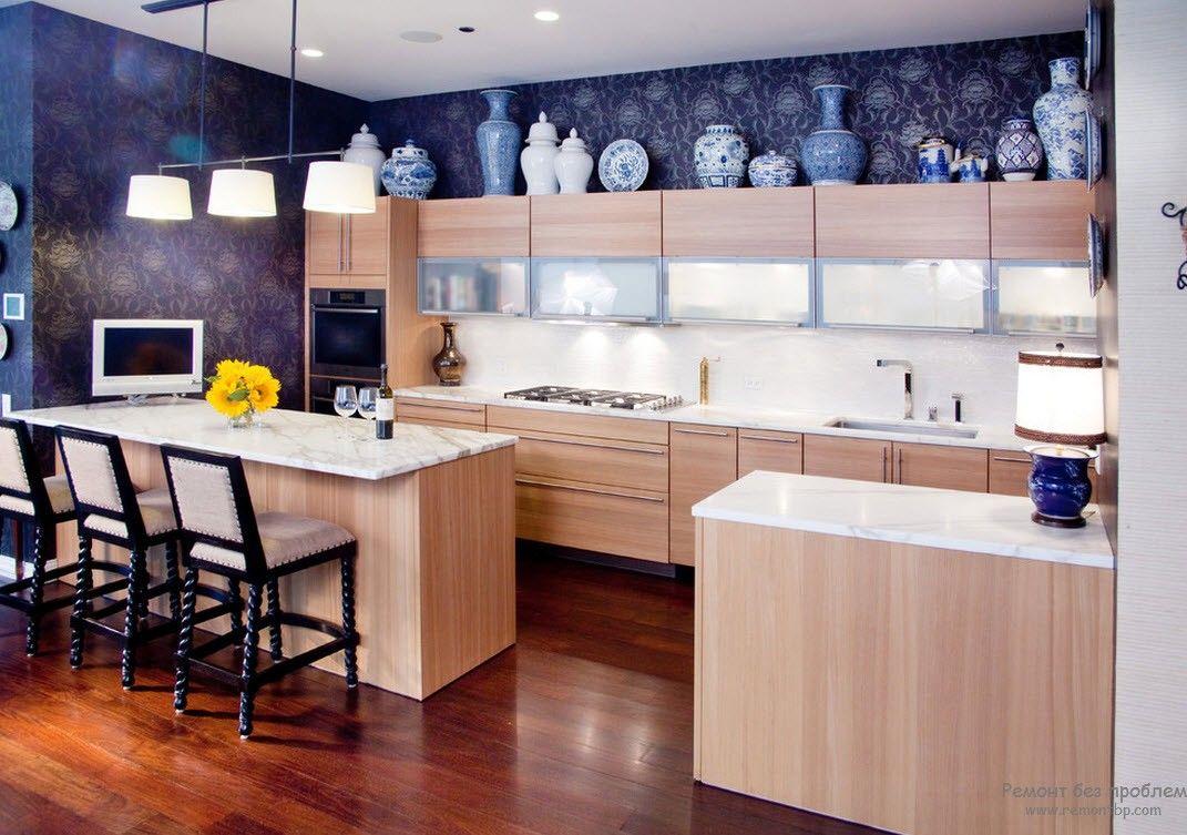 Кухня в синем