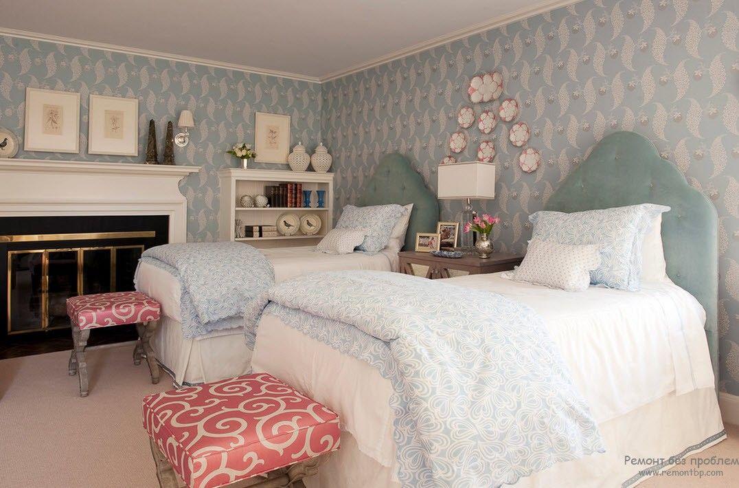 Красивый классический вариант оформления детской комнаты для двоих
