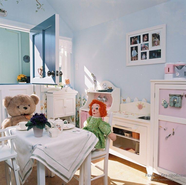 Набор безопасной мебели для комнаты ребенка ясельного возраста