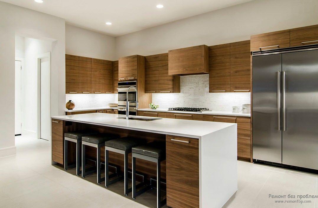 Современная кухня из дерева