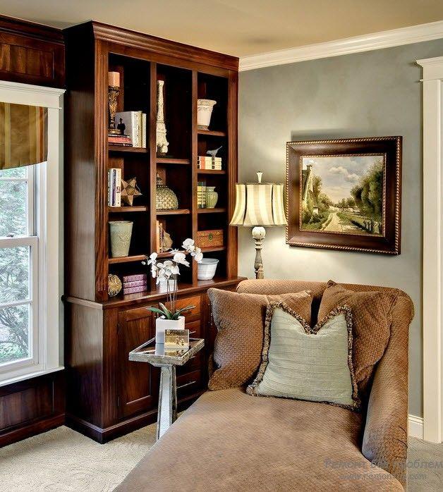 Очень комфортное мягкое кресло для чтения