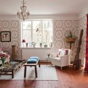 Повторяющийся орнамент в интерьер гостиной