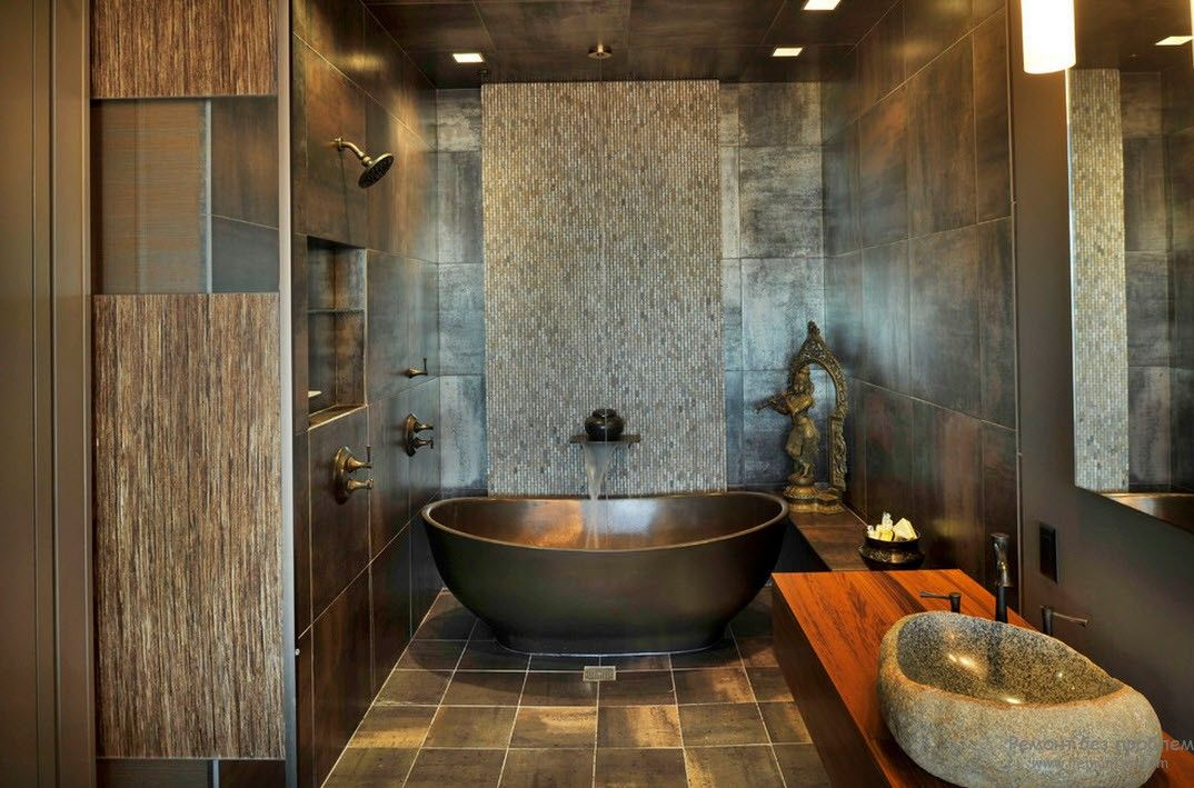 Овальная металлическая ванна