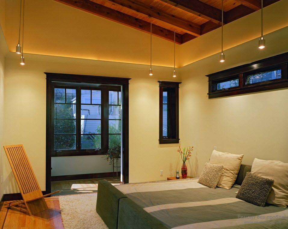Миниатюрные подвесные светильники в спальне