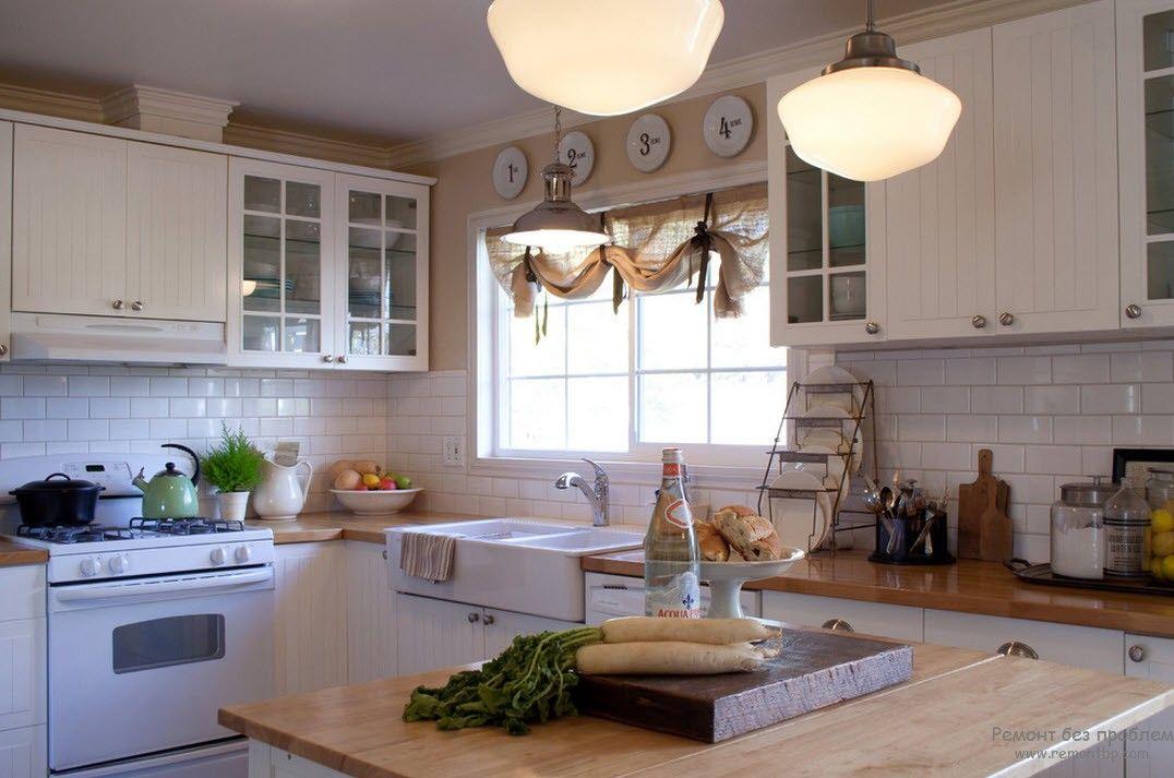Шторы, как декоративный элемент на кухне