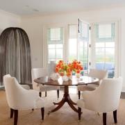 Интерьер и дизайн штор в гостиной, Красивые и современные идеи с фото