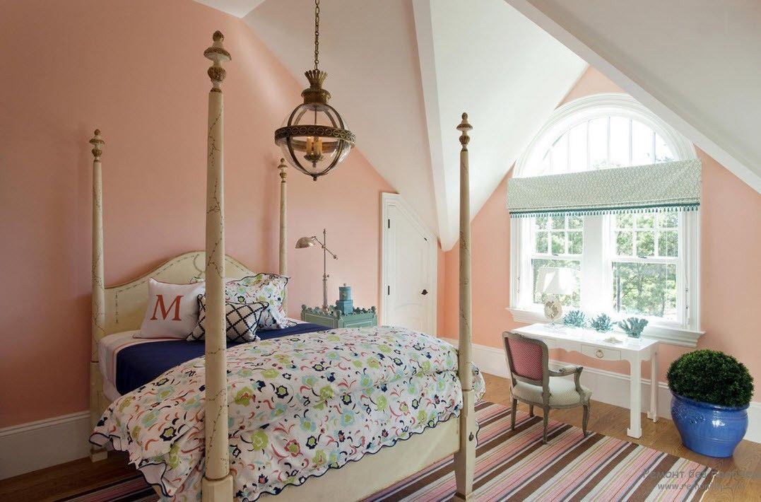Спокойный интерьер в персиковом цвете