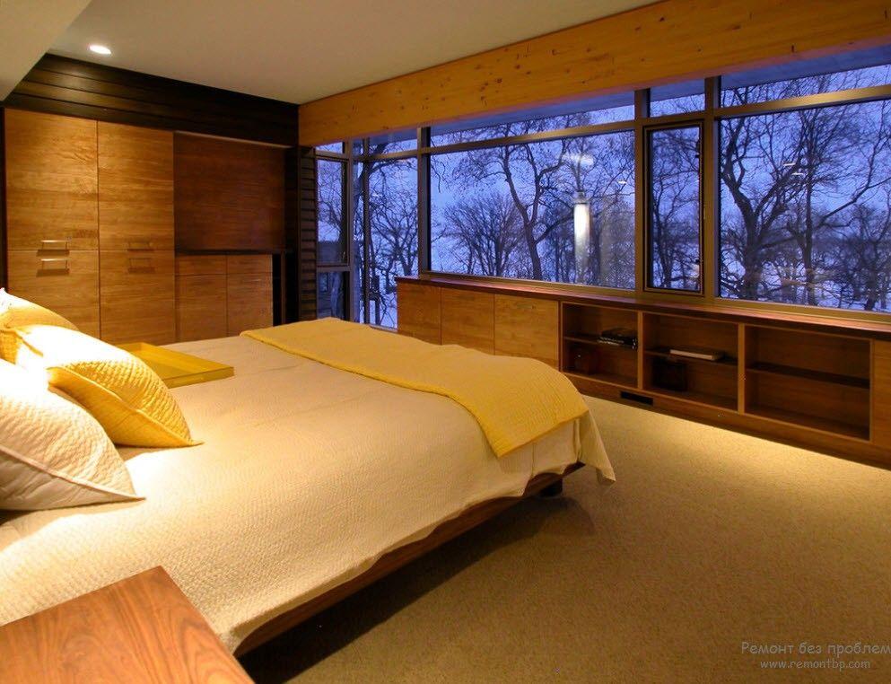 Дерево в современной спальне