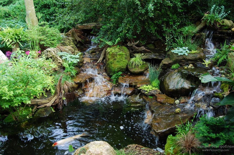 Динамичный водоём со струящейся по каменным уступам водой – лучшее средство для релаксации и исключительное место для длительной медитации