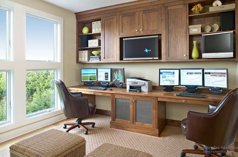 Естественное освещения для домашнего кабинета