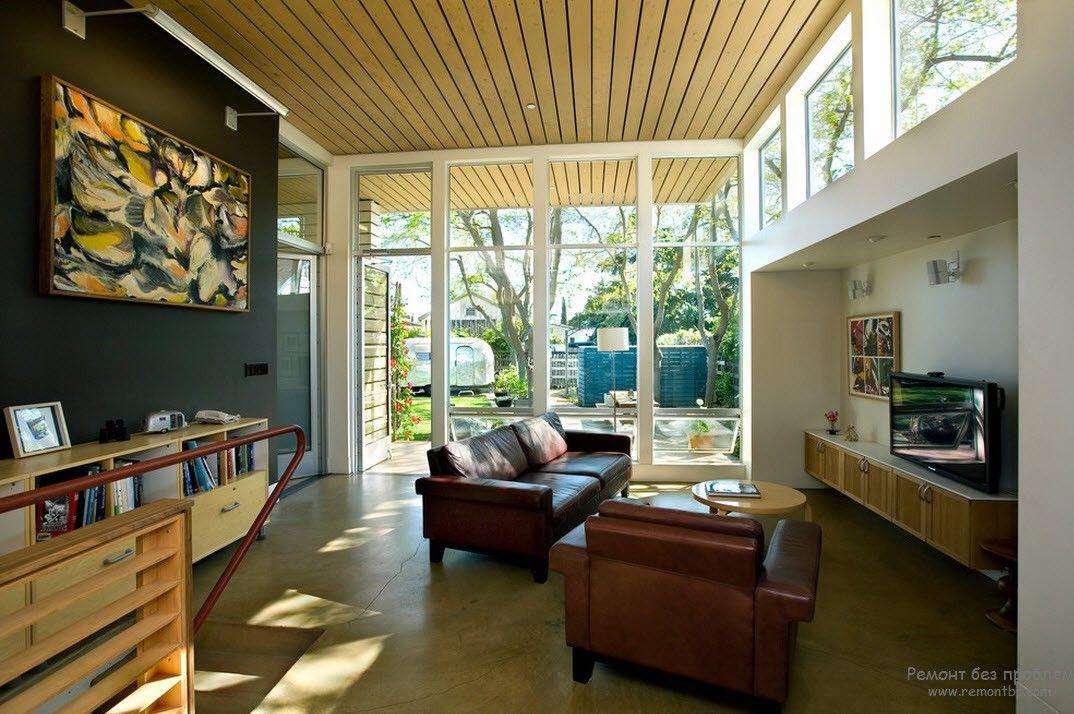 Потолок в загородном доме