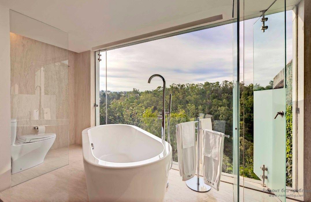 Эффектный дизайн ванной комнаты с необычной овальной ванной