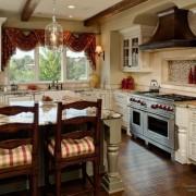 Изящные шторы в кухне