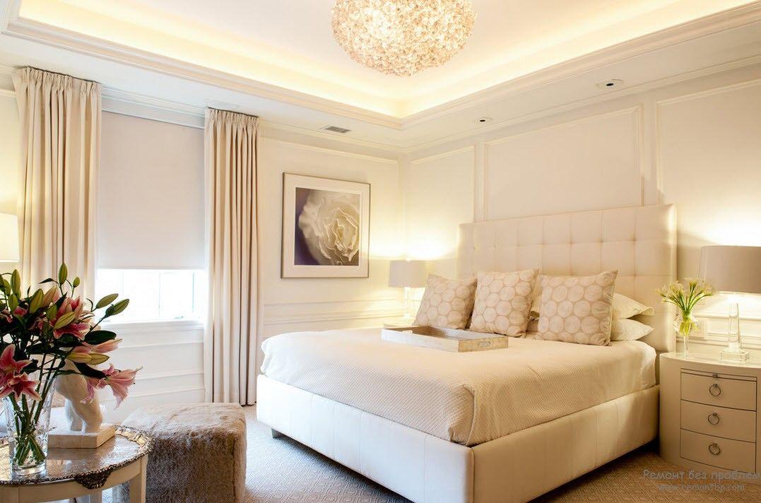 Высокая люстра для спальни