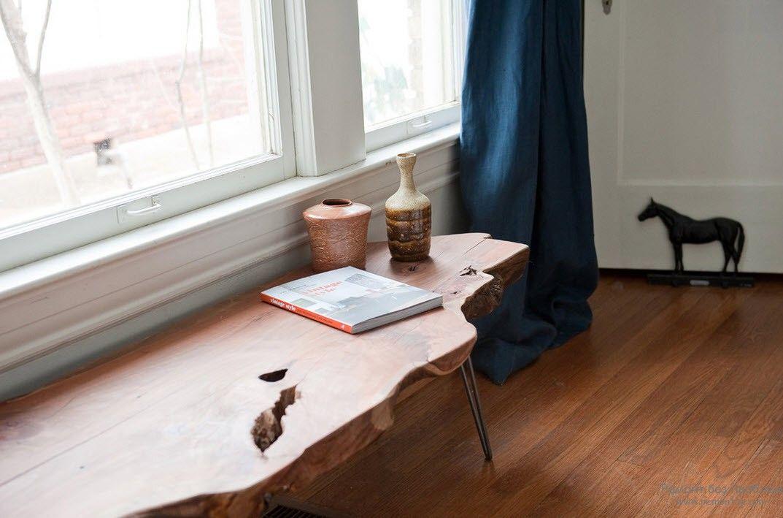 Деревянный столик необычной резной формы