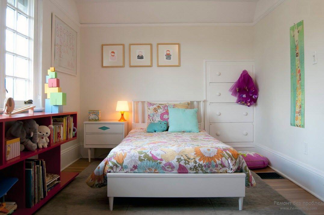 Набор мебели для комнаты девочки