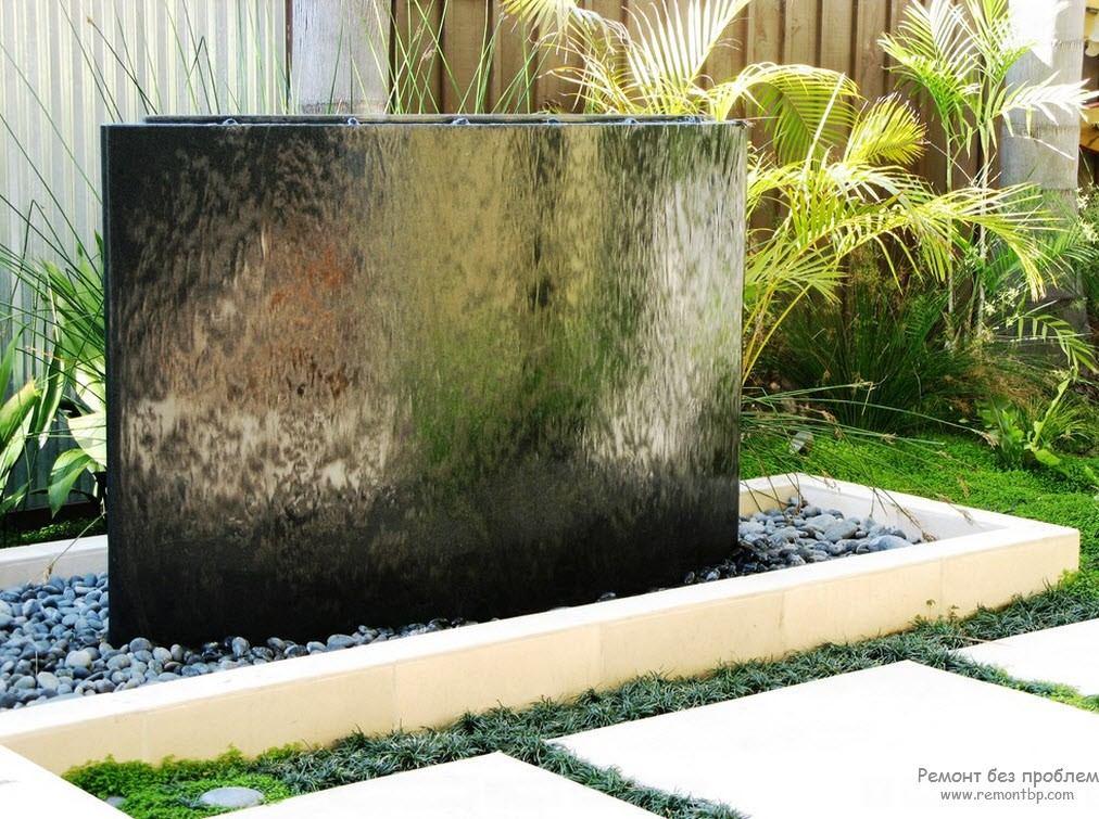 Авангардный тип фонтана с эффектом зависшего потока воды