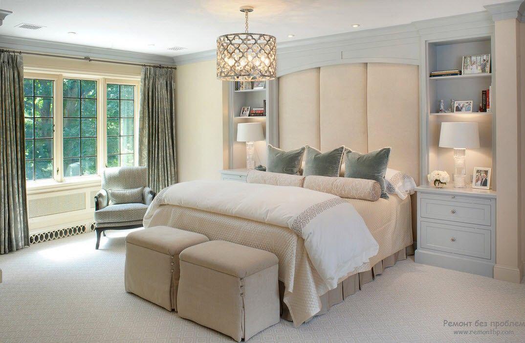 Мебель в классической женской комнате