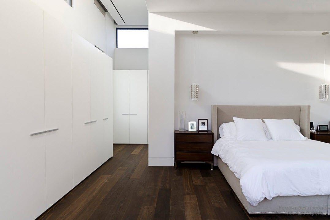 Простота и легкость в современной спальне