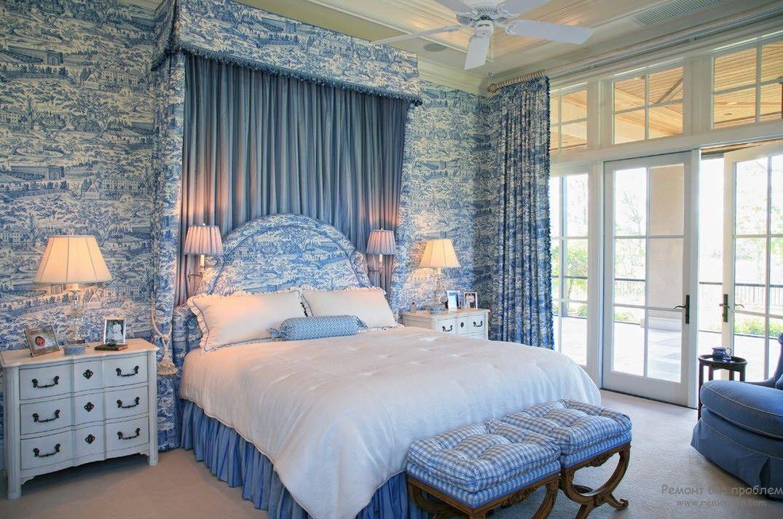 Светло-синие оттенки в интерьере спальни