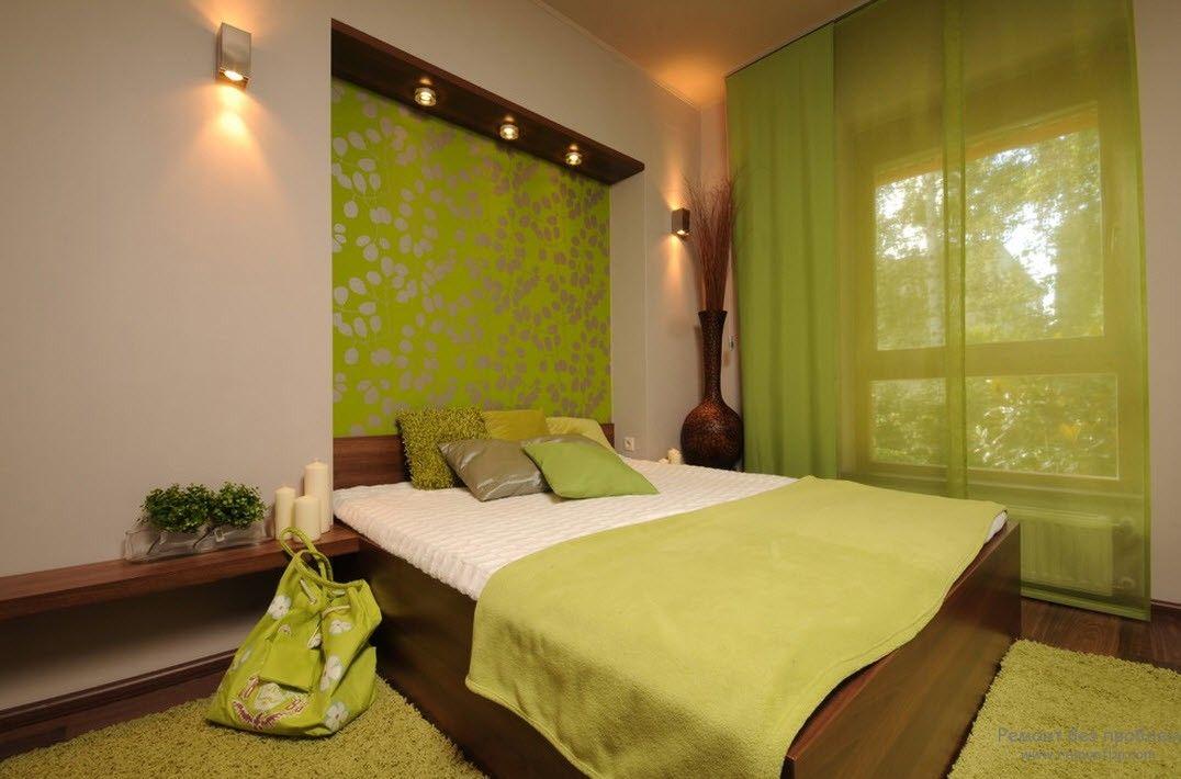Современная салатовая женская спальня