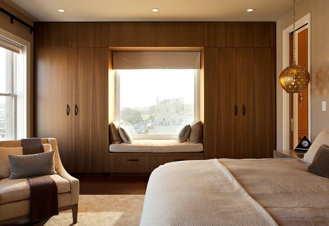 Дизайн окон в спальне