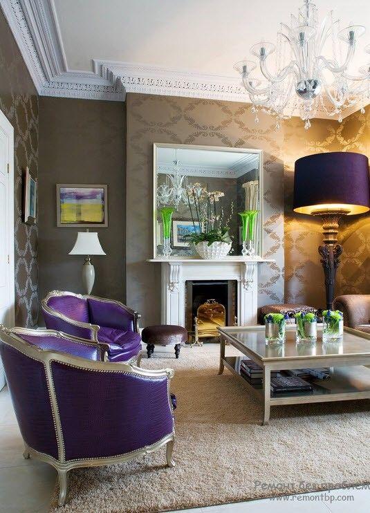 Хрустальная люстра в интерьере красивой гостиной