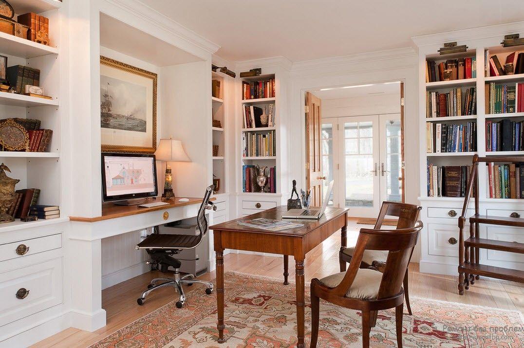 Приятный интерьер домашнего кабинета