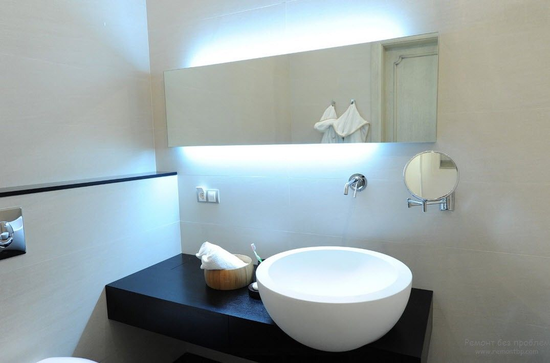 Подсветка возле раковины в ванной комнаты в стиле минимализм